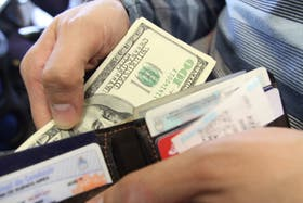 El dólar cerró la semana pasada con una cotización de 8,95 pesos