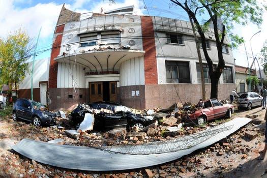 Así quedó el frente del club Glorias Argentinas, en Mataderos. Foto: DyN