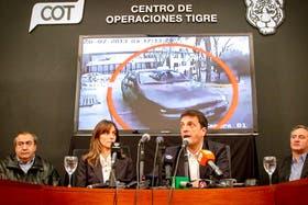 Malena Galmarini y Sergio Massa, durante la conferencia de prensa en la que informaron sobre el robo a su casa