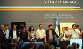 La Presidenta, ayer, en la villa 21 del barrio de Barracas, al inaugurar un centro cultural