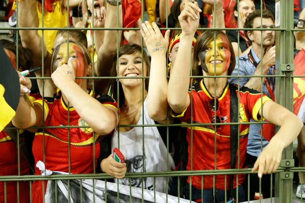 La recorrida fotográfica de canchallena por las eliminatorias de todo el mundo: hinchas belgas, venezolanas, chilenas, honduerñas y panameñas.