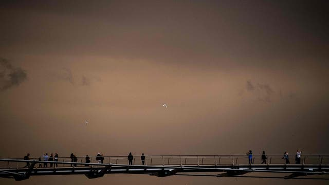 La tormenta Ofelia trajo la arena del Sahara y en su camino también removió las cenizas de los incendios de Portugal y España, llevando todo a Londres