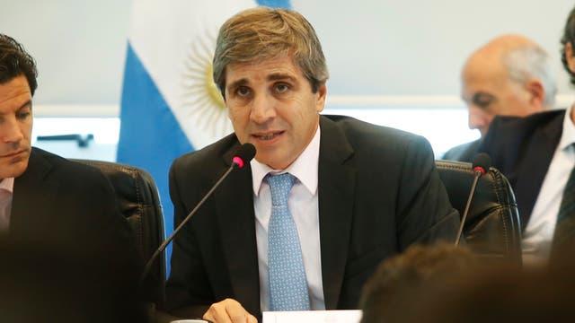 Los ministros de hacienda y finanzas, Nicolas Dujovne y Luis Caputo, presentan ante la Comisión de Presupuesto y Hacienda de Diputados el presupuesto 2018
