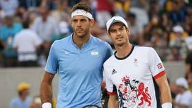 Del Potro y Murray, en el saludo previo a la final olímpica