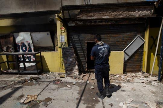 La furia, el descontrol y el vandalismo se apoderaron de Córdoba, cuando, por una protesta policial, las calles quedaron sin seguridad. Foto: LA NACION / Aníbal Greco