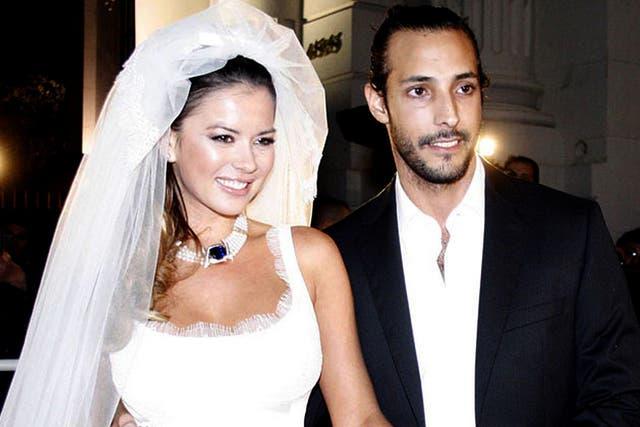 Fariña y Jelinek, durante su boda y en una época menos turbulenta
