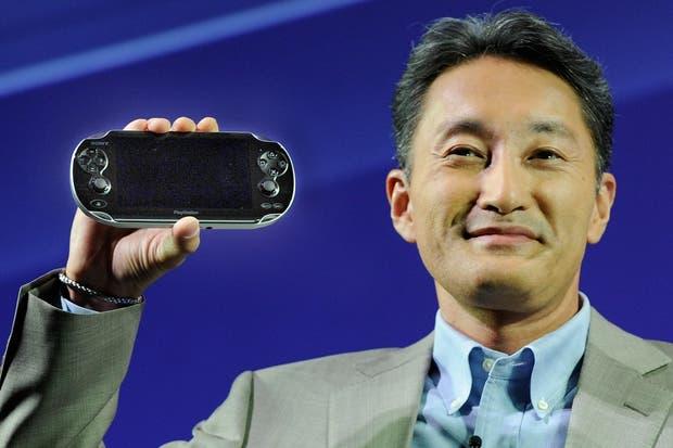 Kazuo Hirai, responsable del área de entretenimiento de Sony, en la presentación de la consola portátil PlayStation Vita. El ejecutivo japonés reemplazará a Howard Stringer como máximo responsable de la compañia