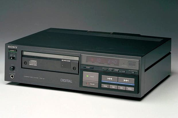 La primera lectora de CD de la historia, la Sony CDP-101