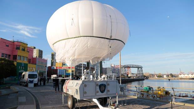 El globo de Sistema Aerostático de Vigilancia porteño, cuando fue presentado