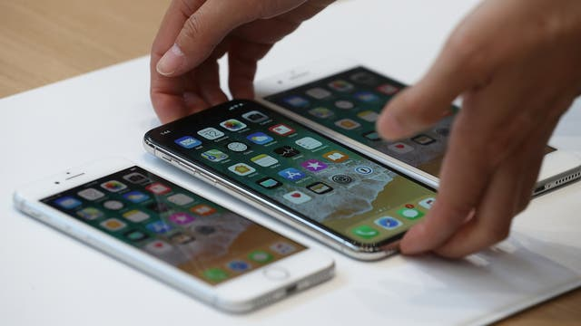 El iPhone X tiene carga inalámbrica y es resistente al agua