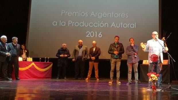 Campi recibió su premio por Noticampi