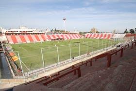 Un estadio vacío para el clásico santafecino
