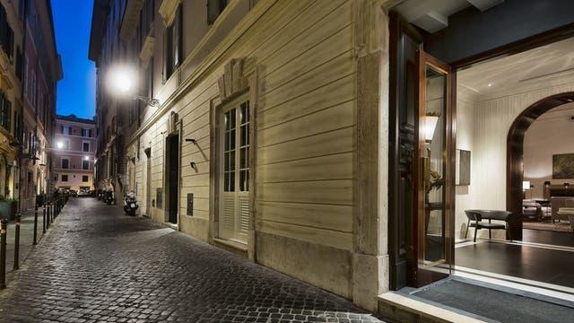 J.K. Place, en Roma, Italia