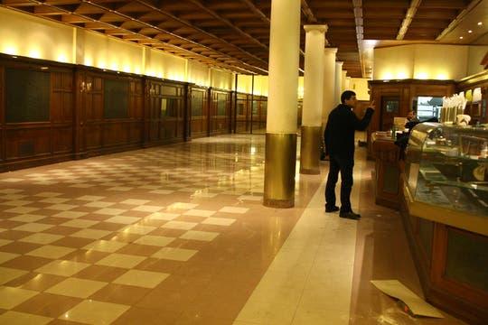 El emblemático salón está vacío. Foto: LA NACION / Sebastián Rodeiro