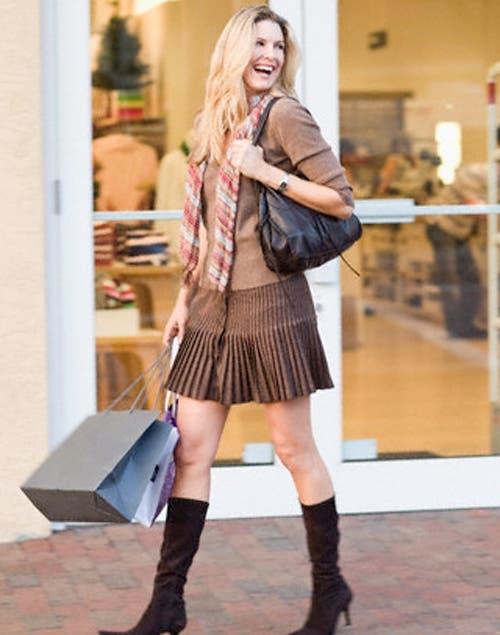 Faldas tableadas para las que tienen pocas curvas y cintura pequeña, son hiper femeninas y muy sensuales. Foto:Archivo /Corbis