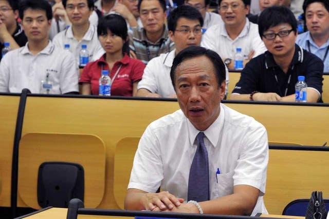 Terry Gou, máximo responsable de Foxconn, durante una de sus apariciones públicas tras los problemas laborales en las fábricas de la compañía