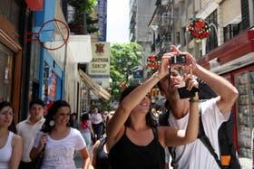Turistas en calle Florida
