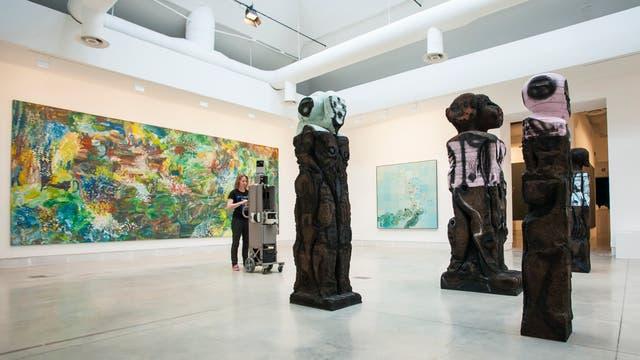 El equipo de Google Cultural Institute registra las obras de la Bienal de Venecia