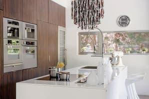 Una cocina moderna y llena de luz