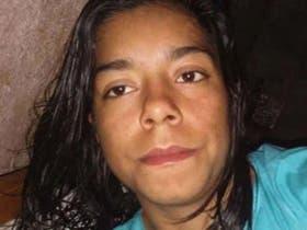 Rosalía Jara, desaparecida. La joven de 18 años fue vista por última vez el 1° de julio último, en las cercanías de la localidad santafecina de Fortín Olmos. Dos policías fueron pasados a disponibilidad