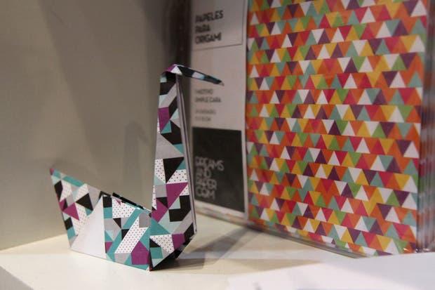 Papeles bellos para trabajar con la técnica de Origami, de Dreams and Paper.  /Matías Aimar