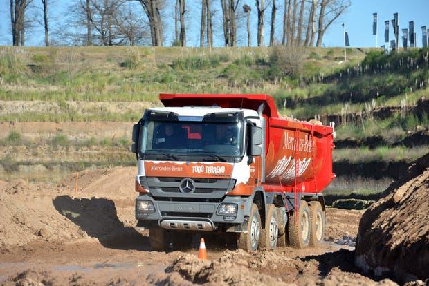 La nueva línea de camiones off-road está diseñada para ser utilizada en condiciones de trabajo difíciles en todos los terrenos