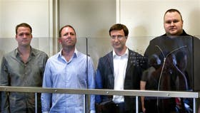 Bram van der Kolk, Finn Batato, Mathias Ortmann y el fundador de Megaupload, Kim Schmitz, al declarar ante la Justicia en Nueva Zelanda