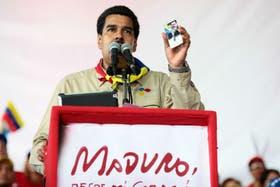 El presidente a cargo de Venezuela, Nicolás Maduro, pidió meter a la cárcel a los que operen e informen sobre el dólar informal