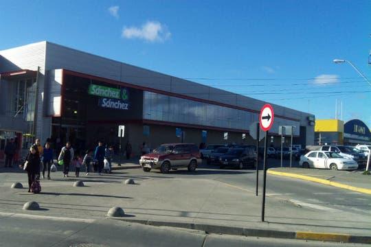 Uno de los supermercados en la zona franca, donde los turistas compran bebidas y alimentos gourmet. Foto: LA NACION / Juan Pablo De Santis