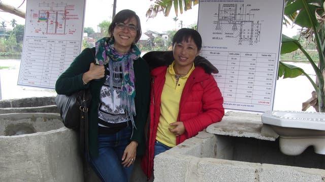 """María Laura Alzúa (Vietnam): """"La medición de impacto es hoy una parte central de las políticas sociales"""", sostiene la profesional. En Vietnam, trabajó para un plan que se propone crear demanda de productos de saneamiento subsidiados"""