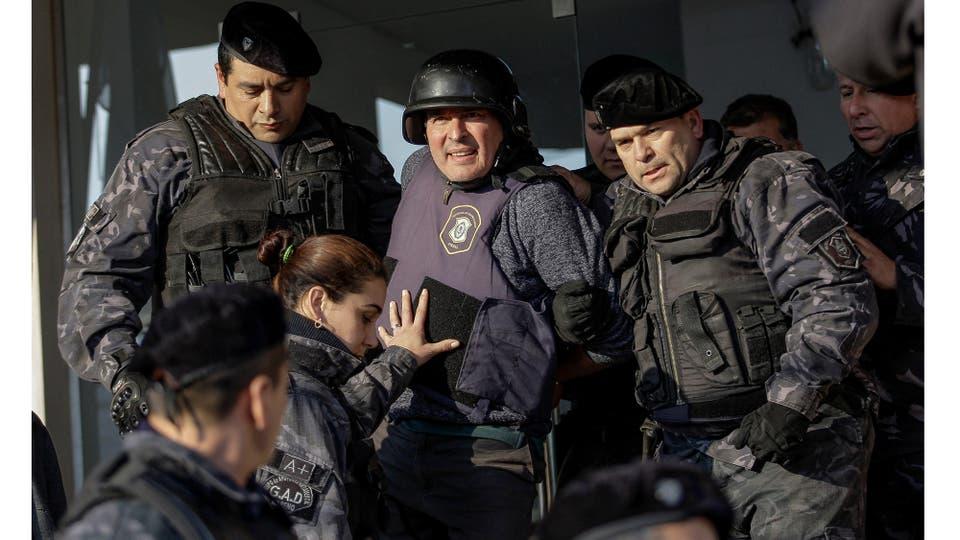 Salida de José López de la fiscalía de General Rodríguez,Pcia. de Buenos Aires Junio 2016 . Foto: Fernando Massobrio