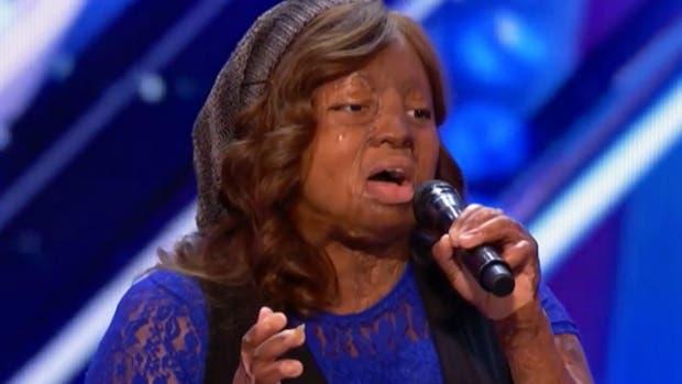 Kechi Okwuchi dejó mudos a todos los integrantes del jurado por su emotiva performance