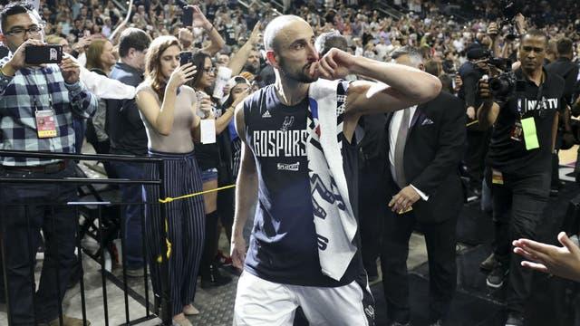 Manu Ginobili firmó por dos años más con los Spurs