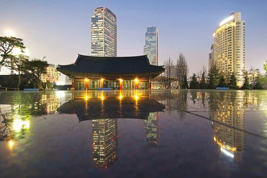 Modernidad espiritual. El templo budista de Bongeunsa, en Gangnam-gu, reconstruido a fines del siglo XV. Foto: Corbis