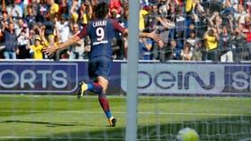 Cavani festeja su gol ante Amiens