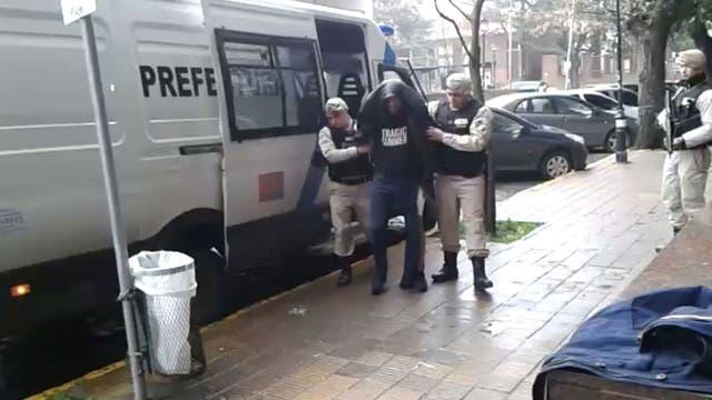 El momento de detención del prófugo