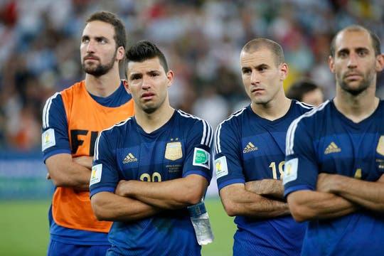 La tristeza de los jugadores. Foto: LA NACION / Fabián Marelli / Enviado especial