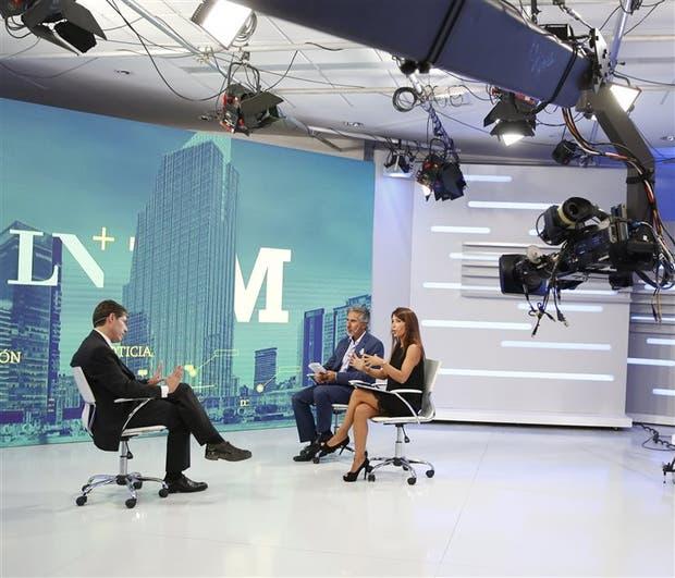 Abal Medina, con Dolores Cahen D'Anvers y Juan Miceli, en LN+PM