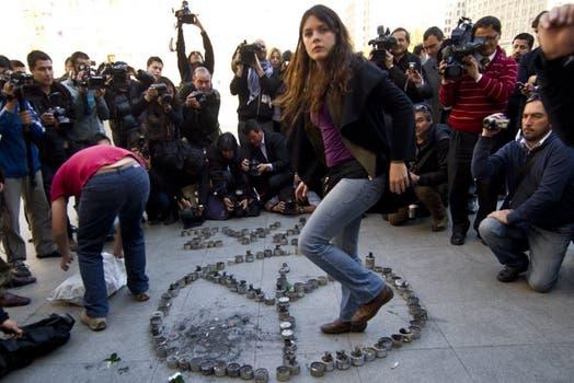 La belleza de Camila Vallejo se destaca junto a sus ideas claras y firmes sobre el movimiento estudiantil chileno. Foto: AFP
