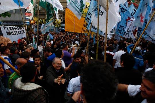 La fiesta kirchnerista comenzó en el búnker del FPV. Foto: LA NACION / Rodrigo Néspolo