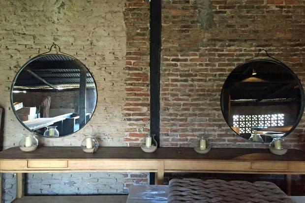colgante hechos a medida en dimetros de m cm cm y cm los espejos colgantes y circulares de negro tienen marco de fleje en hierro negro o con