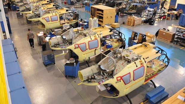 Una vista de la fábrica de helicópteros Airbus en Estados Unidos. La firma aeroespacial cerró un acuerdo con Uber para ofrecer el pedido de transporte aéreo desde un smartphone