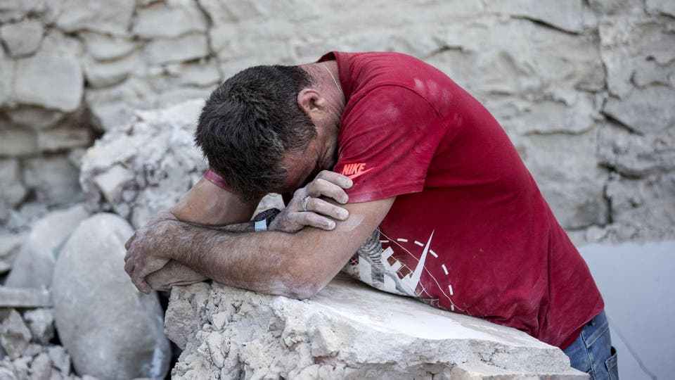 El sismo tuvo una profundidad de 10 km y llegó a sentirse en Roma. Foto: AP / Massimo Percossi