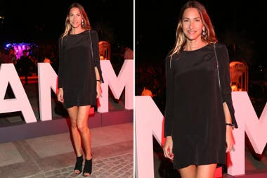 Andrea Bursten en la fiesta animal con un little black dress y sandalias a tono