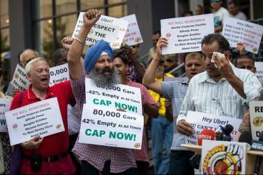 Como en otras ciudades del mundo, los taxistas son los principales adversarios de Uber en Nueva York y montaron protestas en su contra