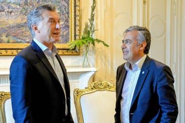 """El presidente del radicalismo propondrá el lunes """"abrir"""" Cambiemos y que el candidato presidencial se dirima en las PASO"""