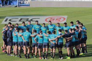La ronda de los Pumas durante el Captains Run, antes del gran choque ante los All Blacks