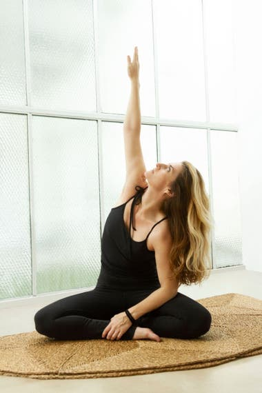 Además de diseñadora, Florencia Fiocca es instructora de yoga, nada mejor para saber cuál es la indumentaria adecuada para esta práctica