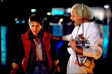 Volver al futuro. La exitosísima película de Robert Zemeckis, de 1985, fue el film más célebre de realidad alternativa