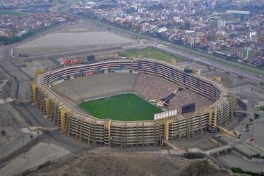 Una vista aérea del estadio Monumental de Lima.